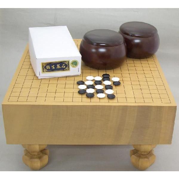 足付囲碁セット 新桂4寸足付碁盤と硬質ガラス碁石新生松(約10mm厚)とP碁笥銘木特大