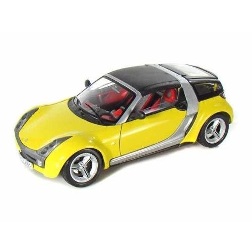 BBurago Smart (スマート) Roadster クーペ 1/18 黄 BB12052-YW ミニカー ダイキャスト 自動車