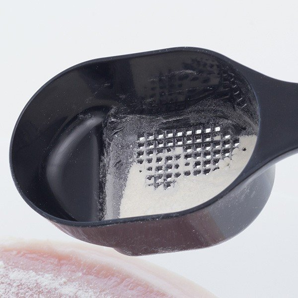 粉ふるい oui monsieur 粉ふるいスプーン モノクロ キッチンツール ( 粉ふるい器 粉ふり 粉落とし )|interior-palette|02