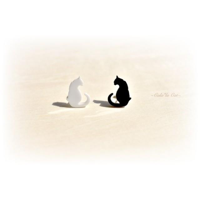 大人気のシンプルな黒猫シルエットピアス(1) ハンドメイド おしゃれ 猫 グッズ 雑貨 女性 日本製  バレンタイン ホワイトデー ギフト プレゼント 誕生日 犬屋|inuya