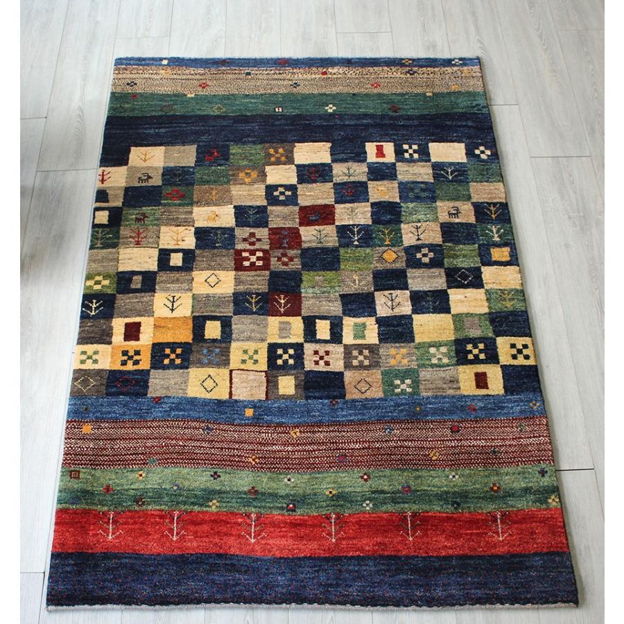 遊牧民の織るギャッベ シューウリ・手織りギャッベ/センターラグ174×118cmカラフルストライプ&小さなタイル