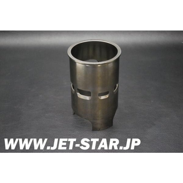 ヤマハ -700SJ- SuperJet 2000年モデル 純正 ヤマハ 700CC用 スリーブ(81mm) 中古 [X610-053]