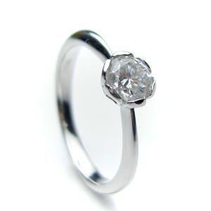【メーカー再生品】 0.3ct. E-VVS1-3EX (H&C) PT900 プラチナ 婚約指輪 エンゲージリング ダイヤモンドリング フラワータイプ 鑑定書付, 南魚沼市 48e76efd