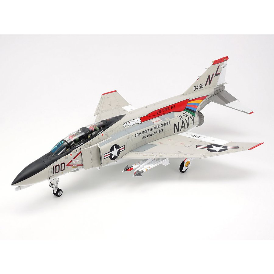 タミヤ 1 48 マクダネル ダグラス F-4B プラモデル 超歓迎された ファントムII 現品 返品種別B 61121