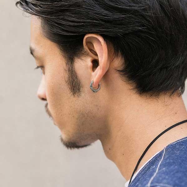 耳 ピアス 左 【アクセ史】メンズピアスはなぜ片耳(左耳)に着けるのか。両耳に着けてもいいんじゃないか。