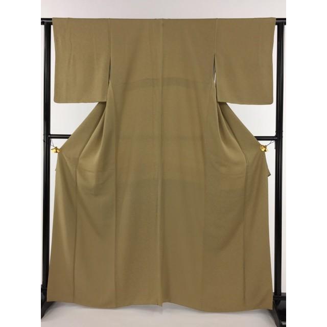 【最新入荷】 着物 美品 名品 色無地 薄黄土色 一つ紋 地紋 花柄 正絹 袷 身丈166.5cm 裄丈62cm リサイクル バイセル PK70, サイジョウシ 30d23e56