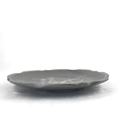 「須恵器」7寸皿 稜花/津軽金山焼 金山焼 皿 陶器 日本製 手作り ギフト プレゼント 贈り物 おしゃれ 器 焼締 メイン皿 お皿 プレート 21cm|kanayamayaki|04