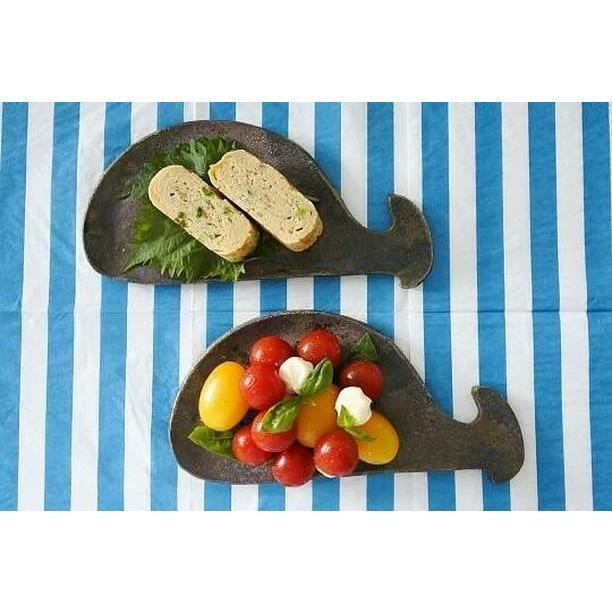 くじらのお皿/津軽金山焼 金山焼 陶器 日本製 手作り プレゼント おしゃれ お祝 器 食器 皿 食器 ソーサー クジラ かわいい |kanayamayaki