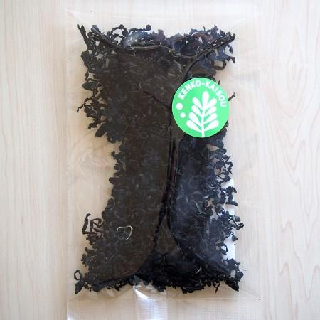 ケンコウかいそうjpの【乾燥カットわかめ 九州天草産】旨みがギュッと詰まったカットわかめです。ひとつまみ入れるだけで料理を引き立てます!|kenkou-kaisou|03