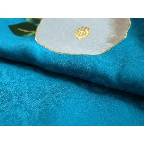 卒業式 二尺袖 着物 袴用 単品 エメラルドブルー 白 椿 紋意匠 フリーサイズ 購入 販売 着物のみ 2尺袖 和装 和服 洗える着物 レディース 送料無料 kimono-kyoukomati 02