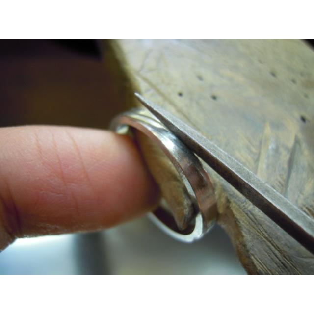 プラチナ 結婚指輪【本物の鍛造】ミル打ちが斜めに流れる躍動感のあるデザイン!指輪の3ヵ所に流れるミル打ち|kouki|20
