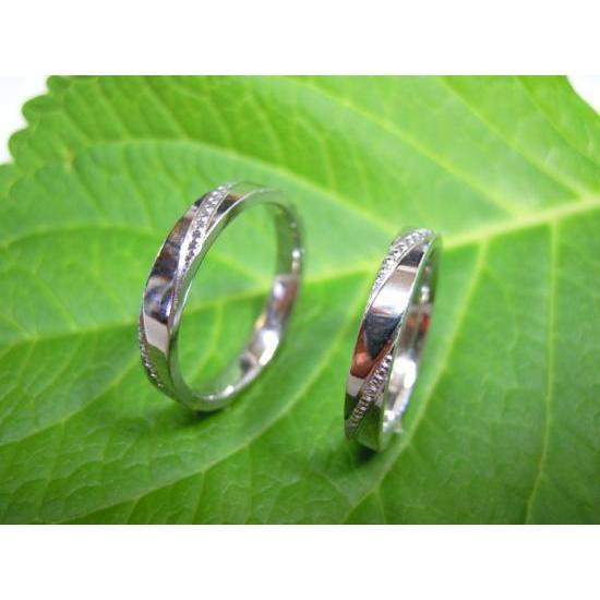 プラチナ 結婚指輪【本物の鍛造】ミル打ちが斜めに流れる躍動感のあるデザイン!指輪の3ヵ所に流れるミル打ち|kouki|03