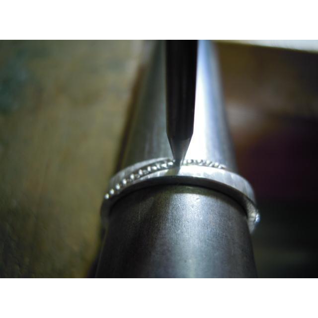 プラチナ 結婚指輪【本物の鍛造】ミル打ちが斜めに流れる躍動感のあるデザイン!指輪の3ヵ所に流れるミル打ち|kouki|21