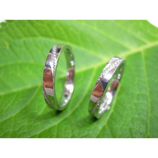 プラチナ 結婚指輪【本物の鍛造】ミル打ちが斜めに流れる躍動感のあるデザイン!指輪の3ヵ所に流れるミル打ち|kouki|04