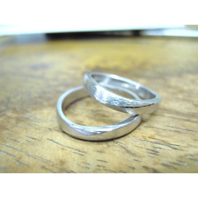 プラチナ 結婚指輪【本物の鍛造】緩やかなV字が優しい!ラインに沿って曲線のミル打ちがお洒落!|kouki|19