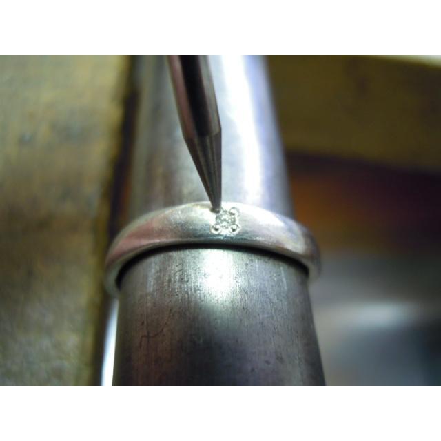 プラチナ 結婚指輪【本物の鍛造】緩やかなV字が優しい!ラインに沿って曲線のミル打ちがお洒落!|kouki|20