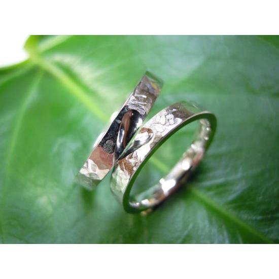 プラチナ 結婚指輪【本物の鍛造】叩き出し&打ち出した槌目にハートを彫る!2本の指輪を重ねるとハートに kouki 03