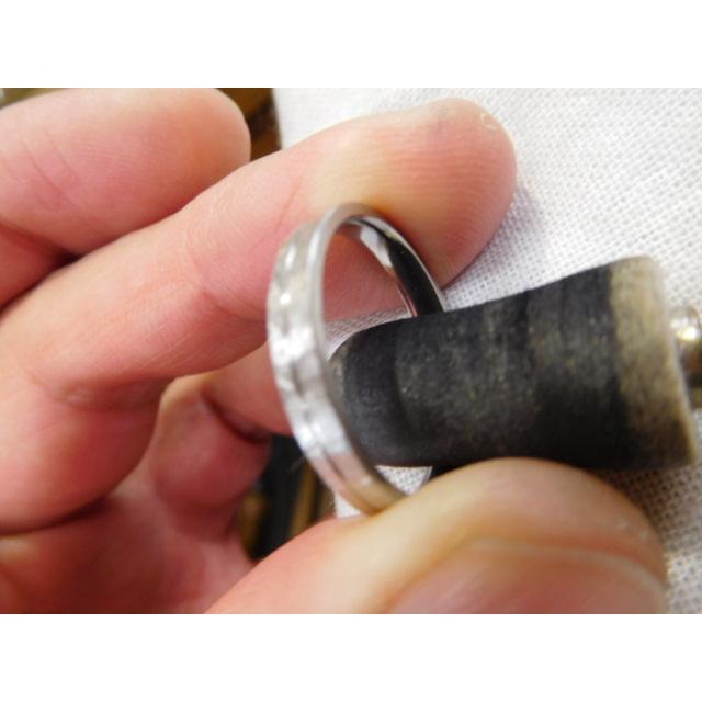 プラチナ 結婚指輪【本物の鍛造】艶消しの打ち出し槌目が純白で美しい!3ミリ幅&女性用にダイヤ入り|kouki|21