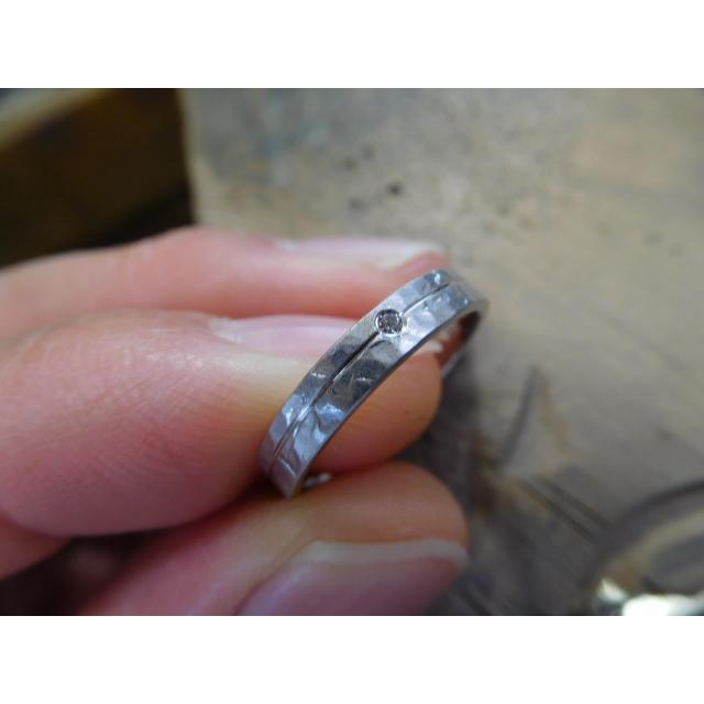 プラチナ 結婚指輪【本物の鍛造】艶消しの打ち出し槌目が純白で美しい!3ミリ幅&女性用にダイヤ入り|kouki|05