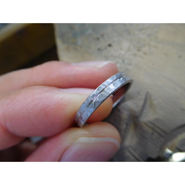プラチナ 結婚指輪【本物の鍛造】艶消しの打ち出し槌目が純白で美しい!3ミリ幅&女性用にダイヤ入り|kouki|06