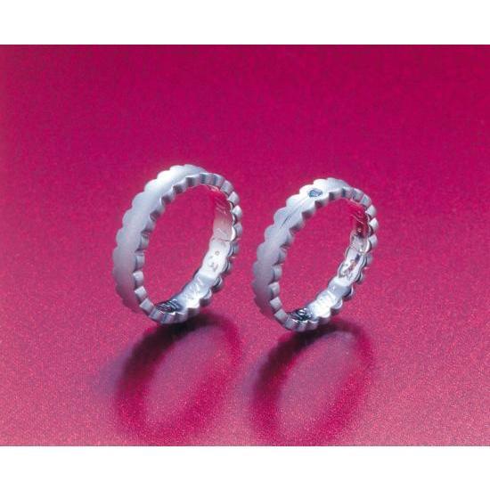 プラチナ 結婚指輪【本物の鍛造】ウエディングドレスをモチーフ!艶消し純白のフリルが凄く可愛い! kouki 02
