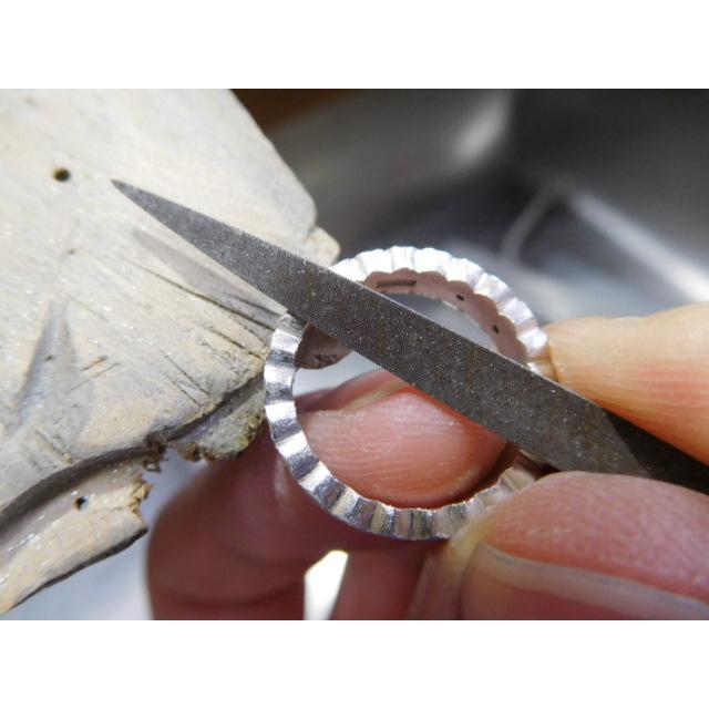 プラチナ 結婚指輪【本物の鍛造】ウエディングドレスをモチーフ!艶消し純白のフリルが凄く可愛い! kouki 16