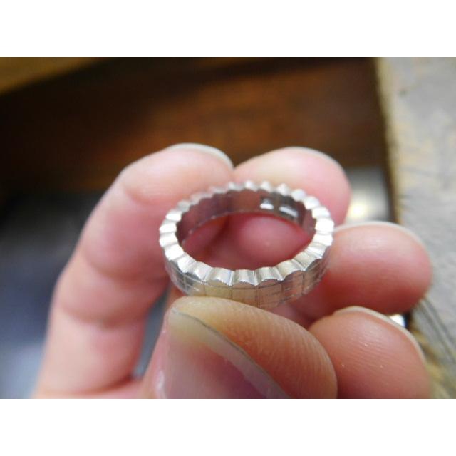 プラチナ 結婚指輪【本物の鍛造】ウエディングドレスをモチーフ!艶消し純白のフリルが凄く可愛い! kouki 17
