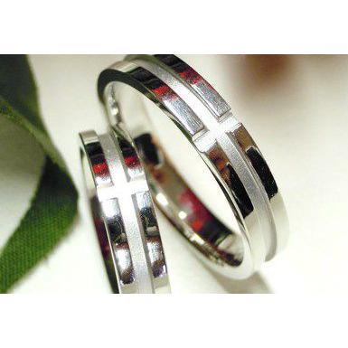 プラチナ 結婚指輪【本物の鍛造】白いクロスが神秘的で美しい!艶消し&光沢のコンビでクロスが映える!|kouki|03