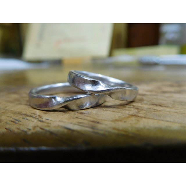プラチナ 結婚指輪【本物の鍛造】艶消しのメビウスリングが美しい!メビウスのラインのみ光沢で魅了|kouki|21