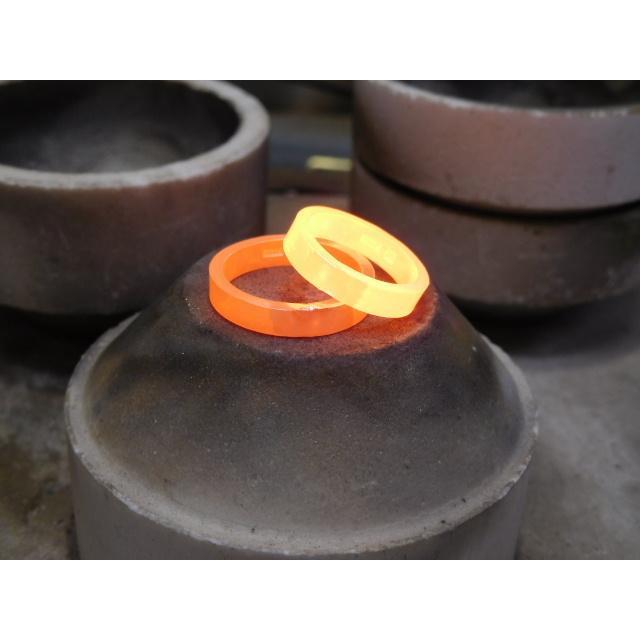 プラチナ 結婚指輪【本物の鍛造】可愛いより格好いいハートのデザイン!荒仕上げの平打ちにハートが映える!|kouki|19