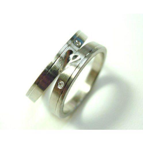プラチナ 結婚指輪【本物の鍛造】可愛いより格好いいハートのデザイン!荒仕上げの平打ちにハートが映える!|kouki|05