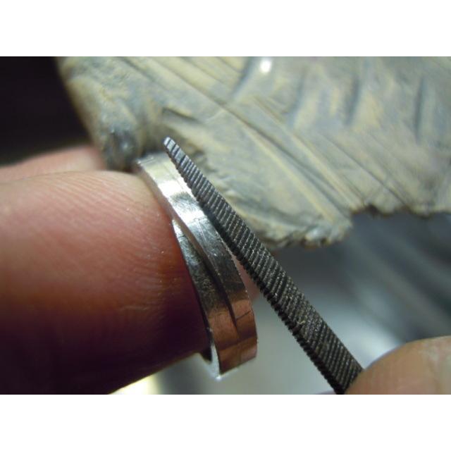 プラチナ 結婚指輪【本物の鍛造】ひねったツイストのラインが美しい曲線美!指輪の三角フォルムも可愛い!|kouki|18