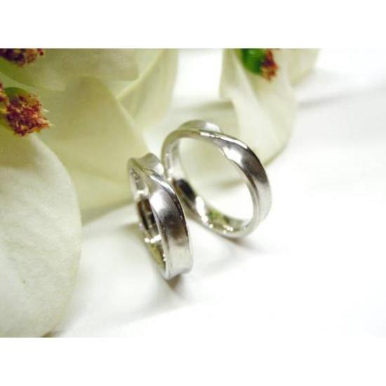 プラチナ 結婚指輪【本物の鍛造】インフィニティの光るラインが美しい!全体を艶消しでインフィニティが輝く!|kouki