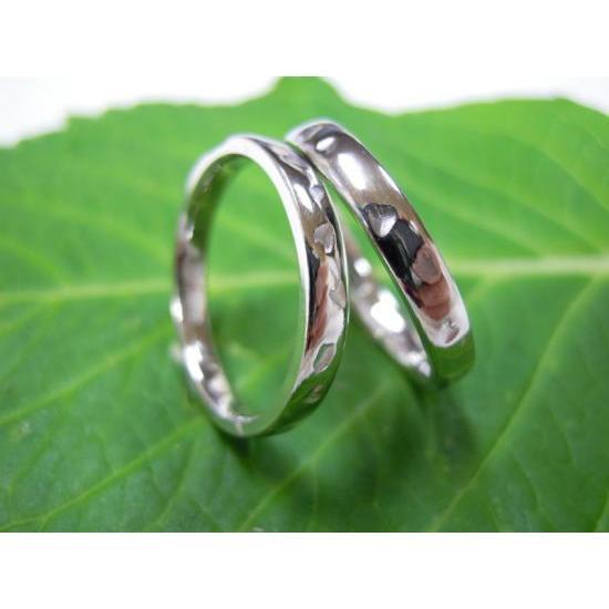 【在庫あり】 プラチナ結婚指輪(鍛造&彫金)光沢 シンプルな甲丸リングに桜の打ち出し, ヤツシログン ff537edb