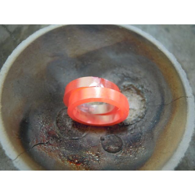 プラチナ 結婚指輪【本物の鍛造】2連の細い平打ちリングが重なる!彫金技術を駆使した荒仕上げの二連デザイン kouki 16