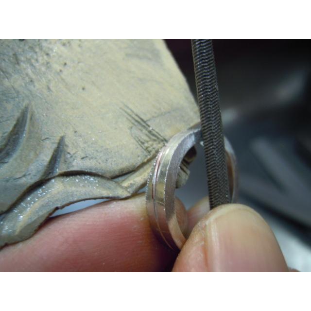 プラチナ 結婚指輪【本物の鍛造】2連の細い平打ちリングが重なる!彫金技術を駆使した荒仕上げの二連デザイン kouki 17