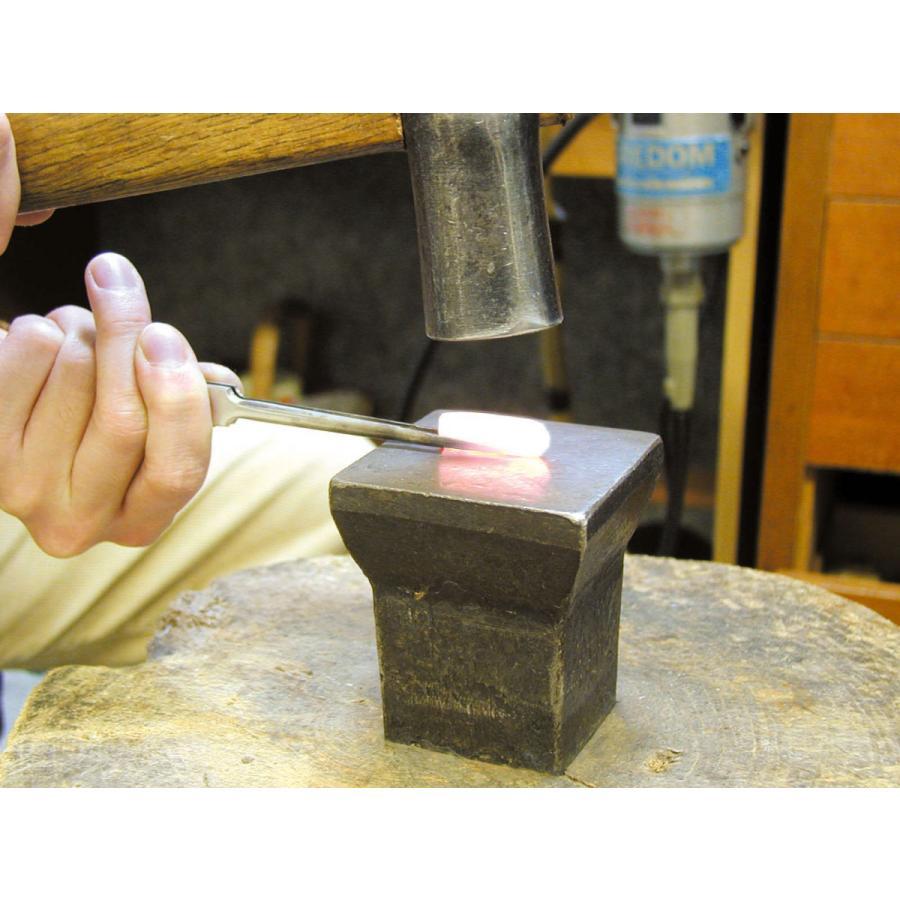 プラチナ 結婚指輪【本物の鍛造】2連の細い平打ちリングが重なる!彫金技術を駆使した荒仕上げの二連デザイン kouki 09