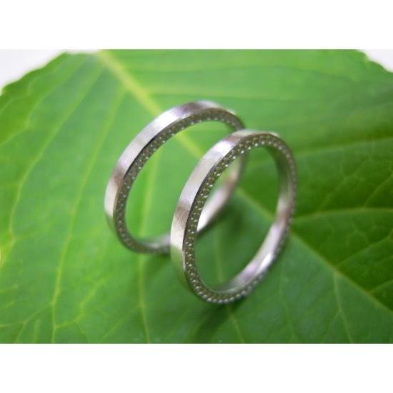プラチナ 結婚指輪【本物の鍛造】華奢な平打ちリング&側面にミル打ち!プラチナの荒仕上げがGOOD|kouki