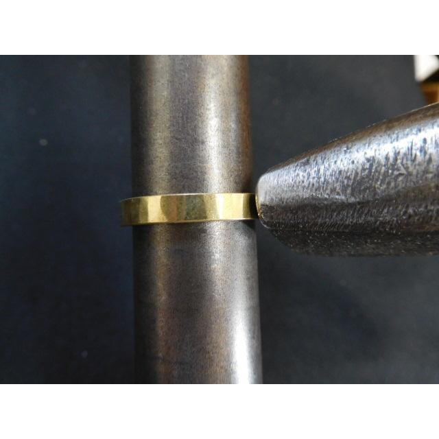 ゴールド 結婚指輪【本物の鍛造】浅めの槌目が繊細で美しい!艶消し平打ちデザインにハート彫り|kouki|17