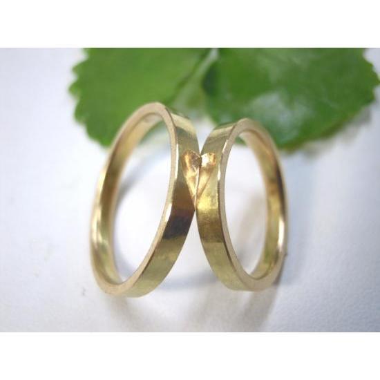 ゴールド 結婚指輪【本物の鍛造】浅めの槌目が繊細で美しい!艶消し平打ちデザインにハート彫り|kouki|03