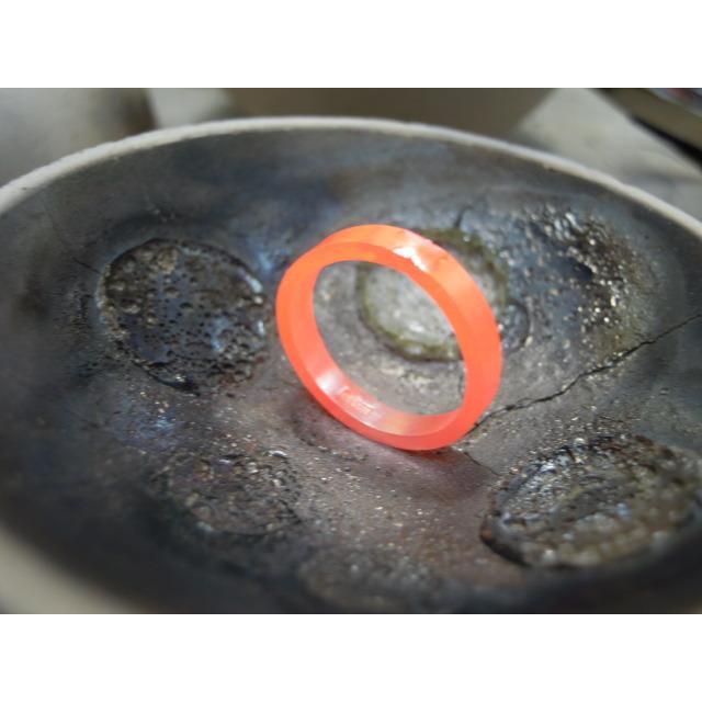 ゴールド 結婚指輪【本物の鍛造】k18荒仕上げのシンプルな甲丸リング&内甲丸で最高の着け心地! kouki 15