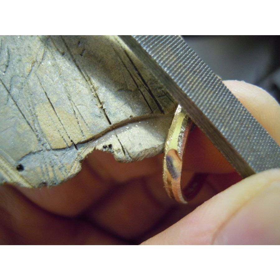 ゴールド 結婚指輪【本物の鍛造】k18荒仕上げのシンプルな甲丸リングにハート&内甲丸で最高の着け心地! kouki 20