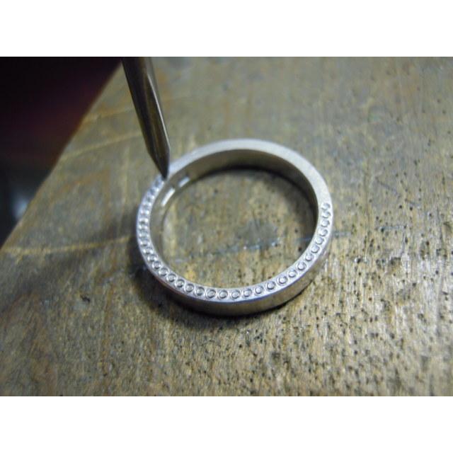 プラチナ 結婚指輪【本物の鍛造】指輪の側面にミル打ち!女性用は鏡面のハーフエタニティリング&男性用は鏡面の平打ちリング kouki 16