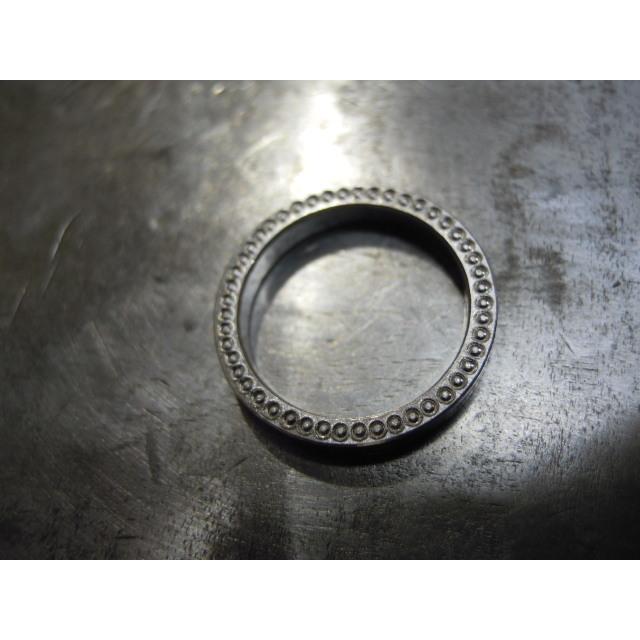 プラチナ 結婚指輪【本物の鍛造】指輪の側面にミル打ち!女性用は鏡面のハーフエタニティリング&男性用は鏡面の平打ちリング kouki 17