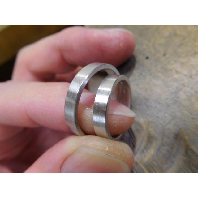 プラチナ 結婚指輪【本物の鍛造】太めの荒仕上げ平打ちリング&フチにミル打ちを打ち込んだデザイン! kouki 20