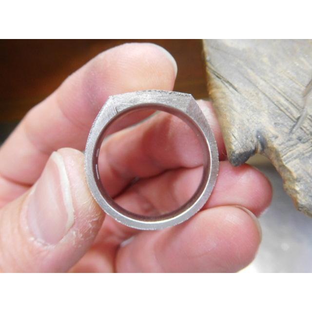 プラチナ 結婚指輪【本物の鍛造】使いやすいように薄めに作った横長角印台リング【荒仕上げ】シンプルなのにお洒落な印台デザイン!|kouki|20
