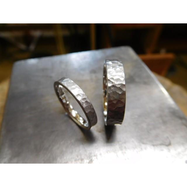 プラチナ 結婚指輪【本物の鍛造】平打ちに深い艶消しの槌目が美しい! 男性5ミリ幅 女性3ミリ幅 kouki 02