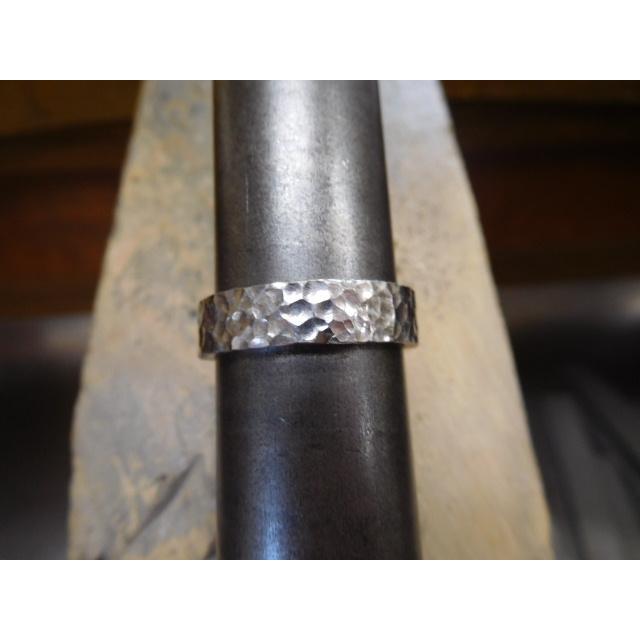 プラチナ 結婚指輪【本物の鍛造】平打ちに深い艶消しの槌目が美しい! 男性5ミリ幅 女性3ミリ幅 kouki 18