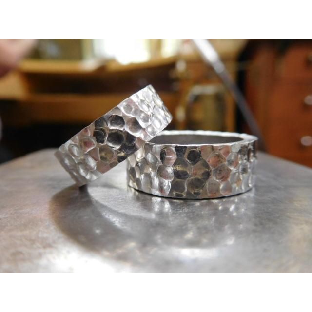 プラチナ 結婚指輪【本物の鍛造】極太の平打ちに艶消しの深い槌目が凄い! 男性7ミリ幅 女性6ミリ幅 kouki 20