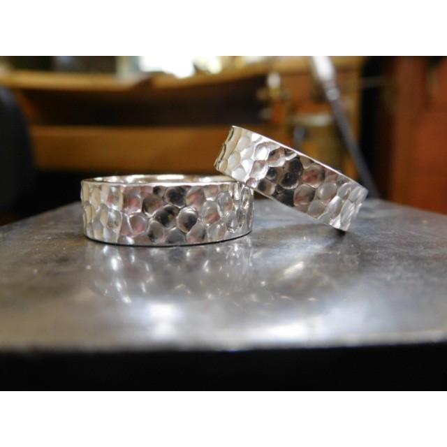 プラチナ 結婚指輪【本物の鍛造】幅広い平打ちに深い光沢の槌目が半端ない! 男性7ミリ幅 女性6ミリ幅|kouki